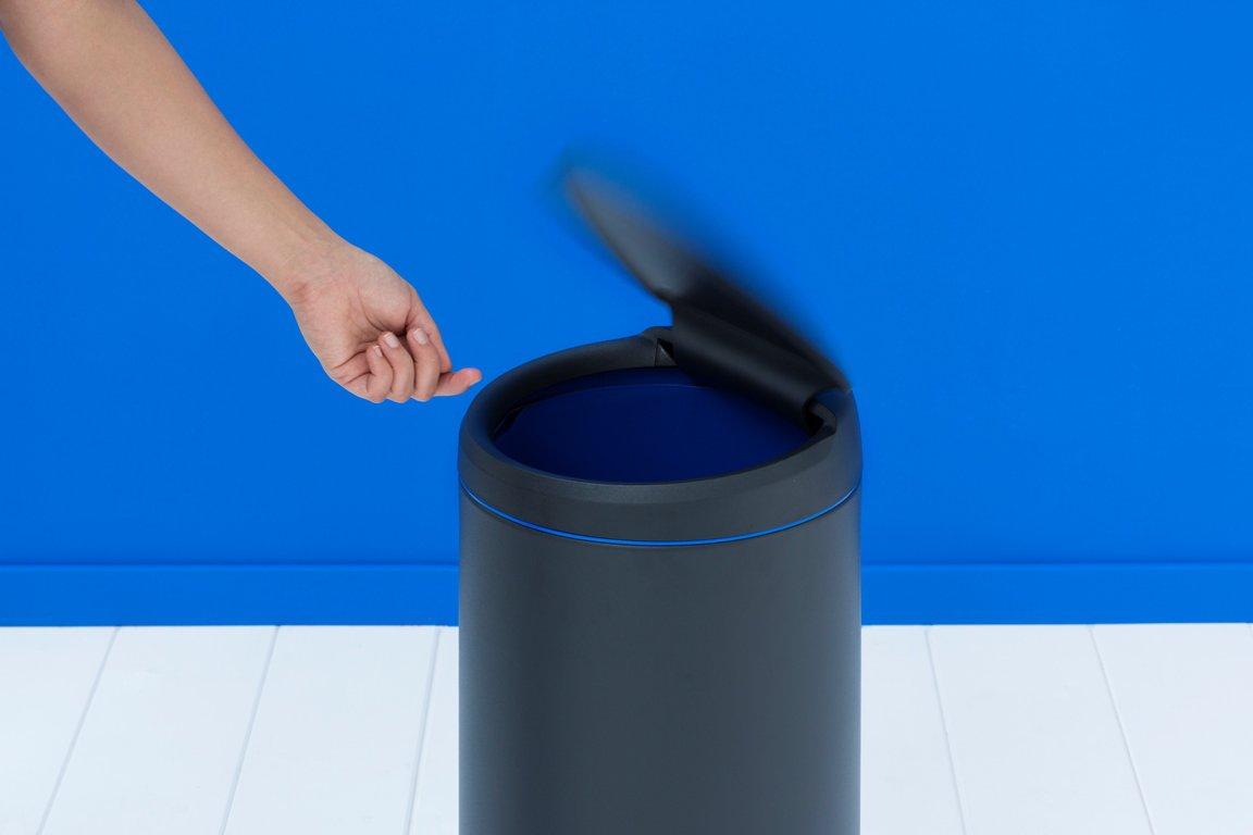 Brabantia 30 litre flip bin in anthracite with dark grey for Dark grey bathroom bin