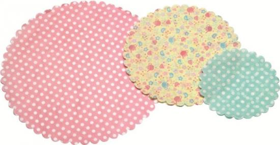 Sweetly Does It Pack of Thirty Patterned Paper Doilies